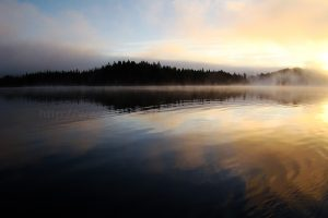 amor lake sunrise on vancouver island